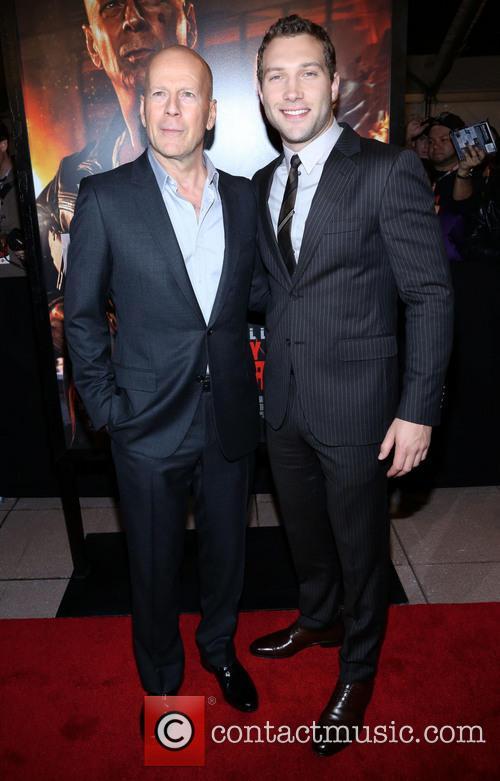 Bruce Willis and Jai Courtney 8