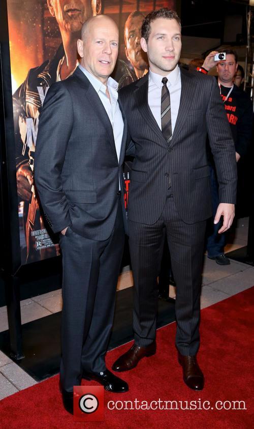 Bruce Willis and Jai Courtney 9