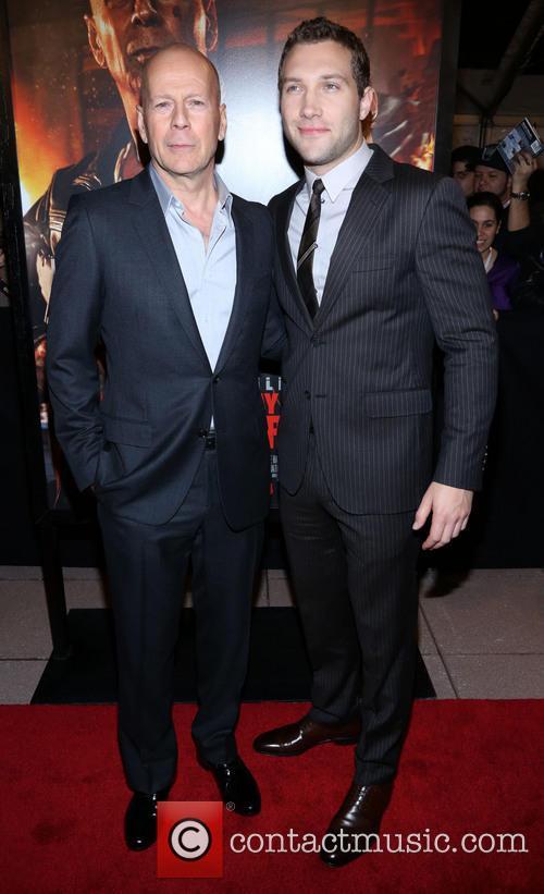 Bruce Willis and Jai Courtney 11