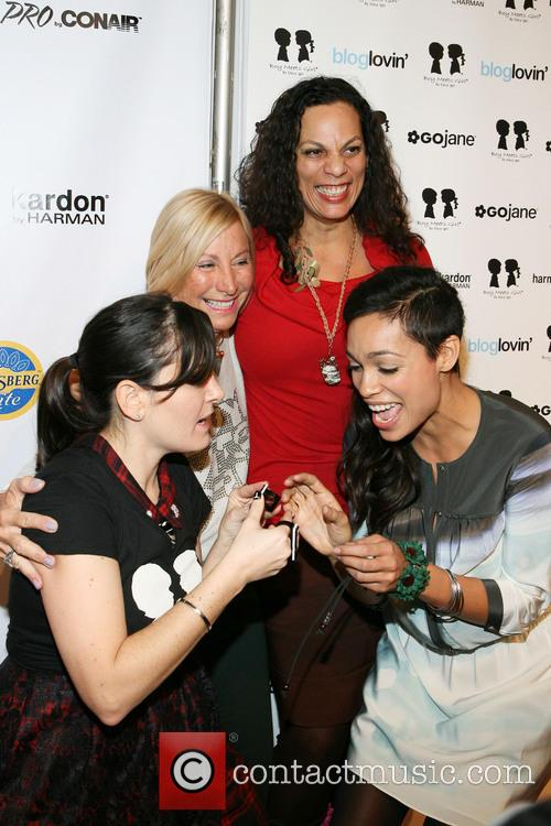 Stacy Igel, Rosario Dawson and Isabel Celeste 5