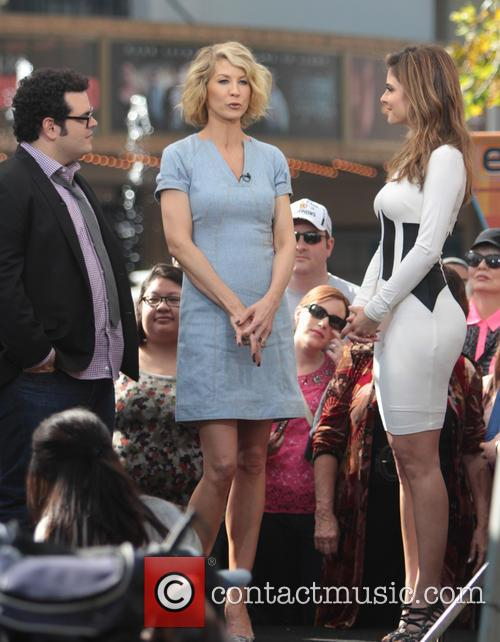 Jenna Elfman, Josh Gad and Maria Menounos 3