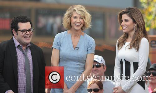 Jenna Elfman, Josh Gad and Maria Menounos 6