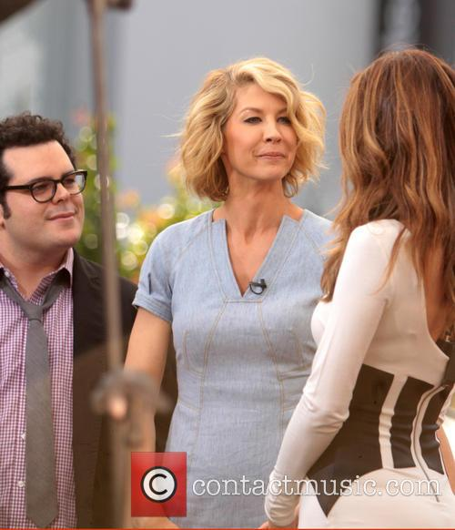 Jenna Elfman, Josh Gad and Maria Menounos 9
