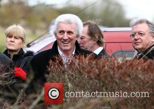 bruce welch the shadows funeral of reg presley 3502697