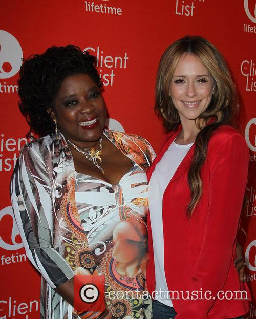 Loretta Devine and Jennifer Love Hewitt 4