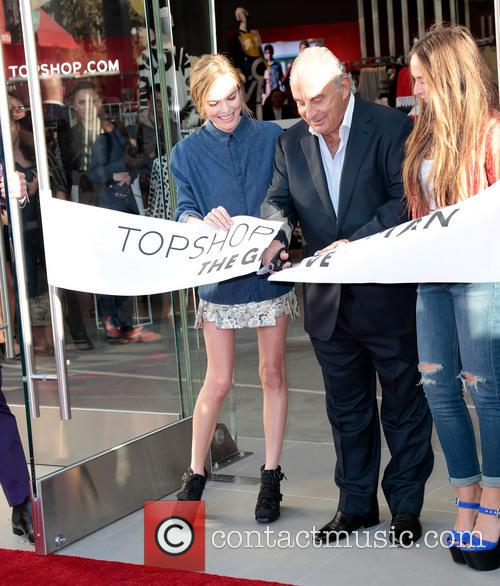 Kate Bosworth, Sir Philip Green and Chloe Green 3