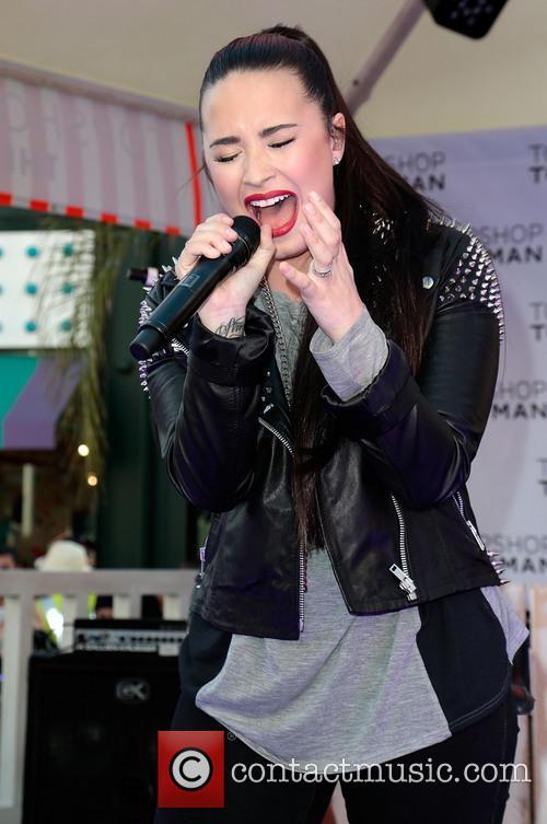 Demi Lovato 27
