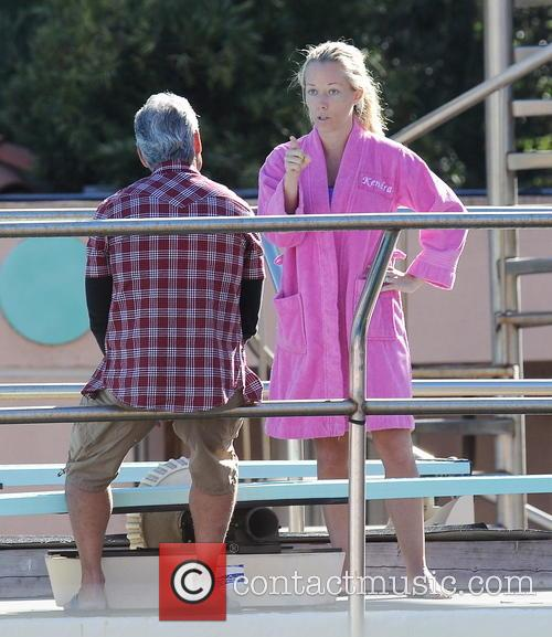 Kendra Wilkinson loses her cool