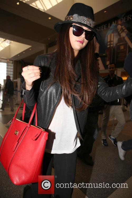 selena gomez celebrities arriving at lax airport 3503688