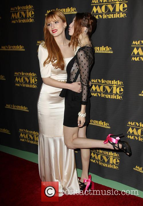 Bella Thorne and Dani Thorne 8