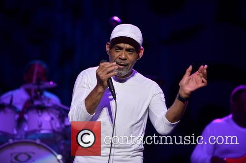Maze Featuring Frankie Beverly 8