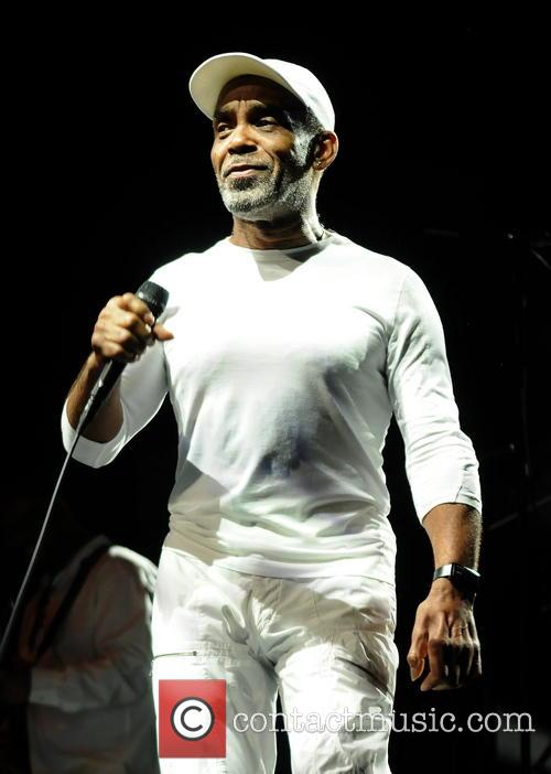 Maze Featuring Frankie Beverly 10