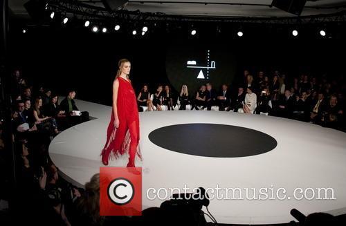 Victoria Beckham, Diane von Furstenberg and Donatella Versace 10