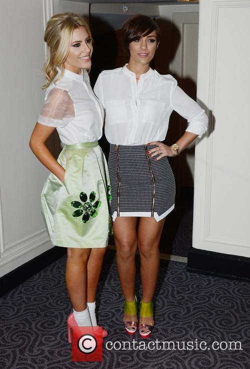 mollie king frankie sandford london fashion week  3505839