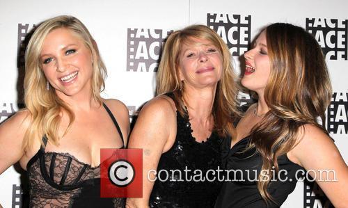 Jessica Capshaw, Kate Capshaw and Sasha Spielberg 8