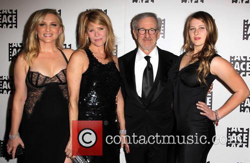 Jessica Capshaw, Kate Capshaw, Steven Spielberg, Sasha Spielberg, Beverly Hilton Hotel