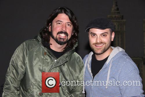dave grohl dustin harder dave grohl takes his 3508185