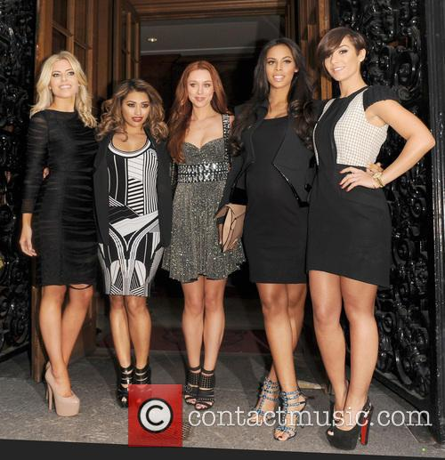 Mollie King, Vanessa White, Una Healy, Rochelle Wiseman, Frankie Sandford and The Saturdays 6