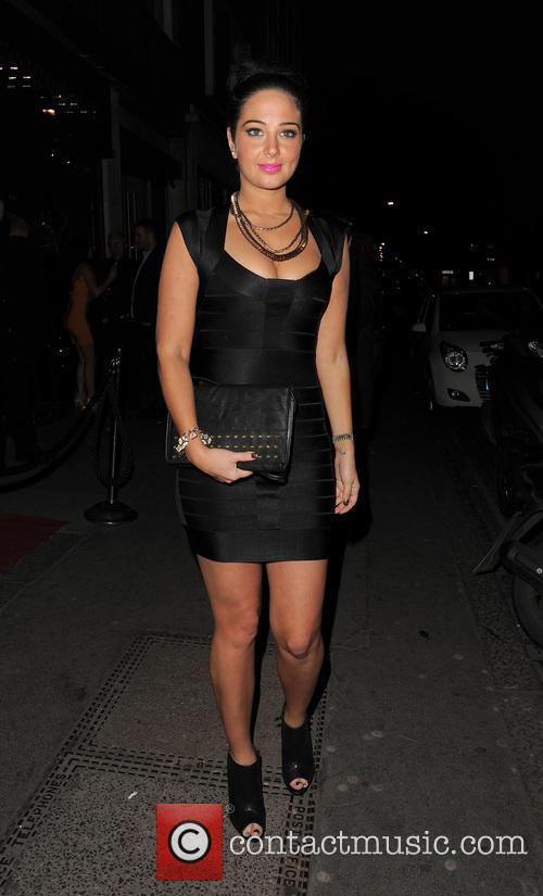 tulisa contostavlos celebrities at apres bar london 3506362