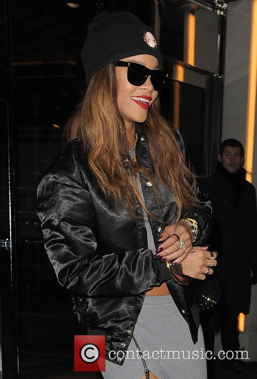 Rihanna 7
