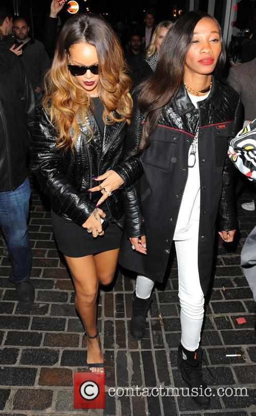Rihanna and Cara Delevingne 3