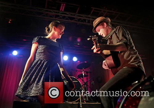 wesley schultz neyla pekarek the lumineers in concert 3508919