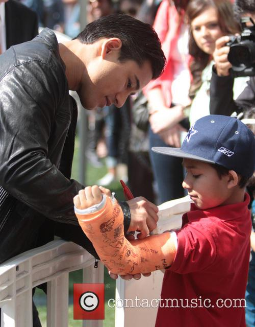 mario lopez celebrities at the grove to appear 3512299