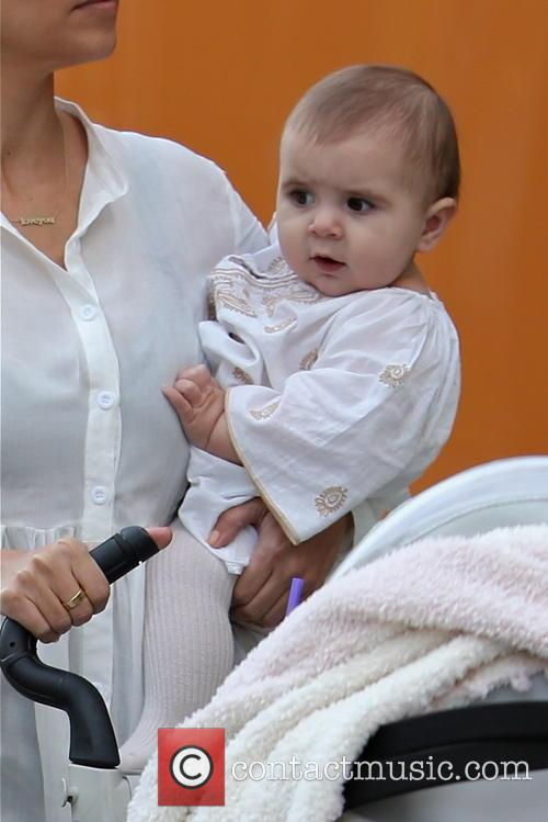 Kourtney Kardashian, Penelope Disick and Scott Disick 6