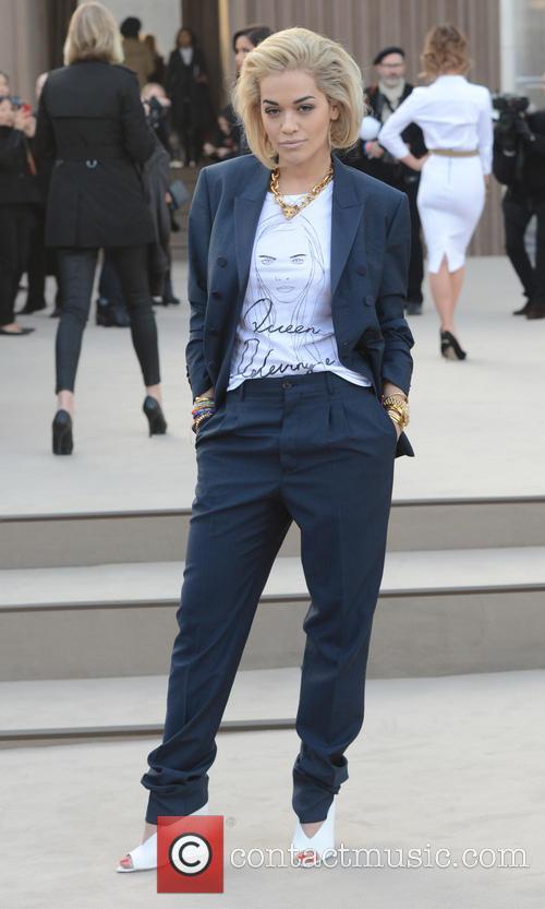 Rita Ora wears Cara Delevingne tshirt