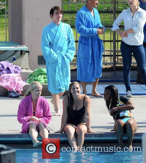 Nicole Eggert, Kendra Wilkinson, Keshia Knight Pulliam and Drake Bell 1