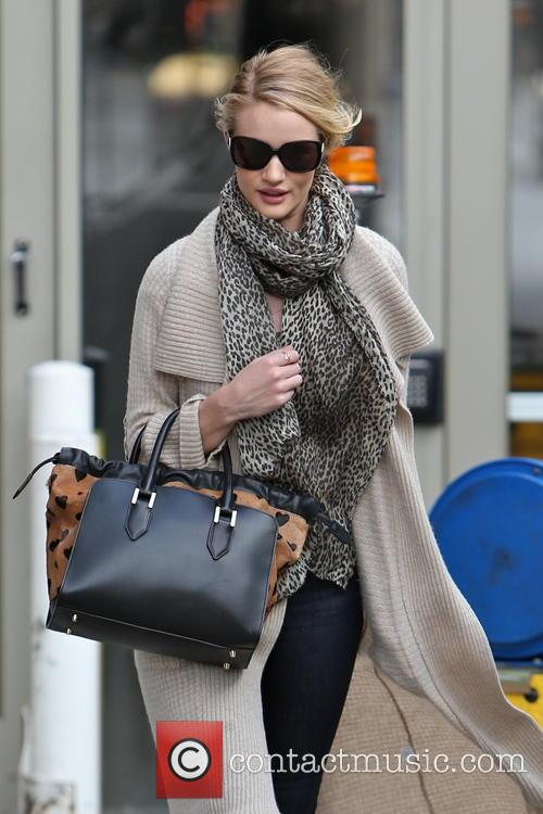 rosie huntington whiteley rosie huntington whiteley seen arriving at 3513955