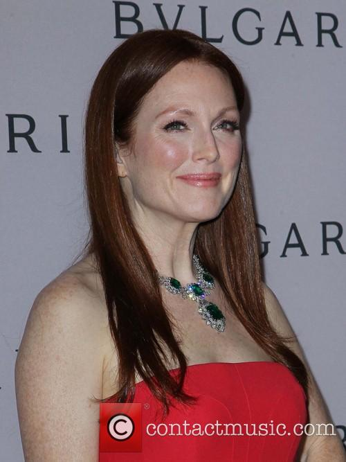 julianne moore bvlgari celebration of elizabeth taylors 3514629