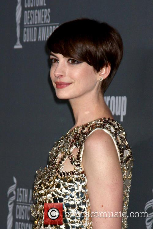 anne hathaway 15th annual costume designers guild 3514313