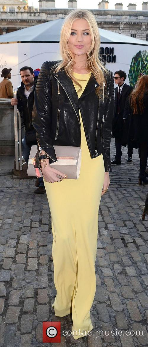 LFW - Maria Grachvogel - Outside Arrivals