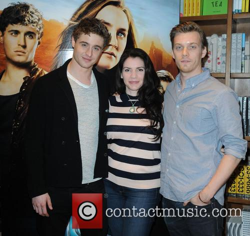 Stephanie Meyer, Jake Abel and Max Irons 6