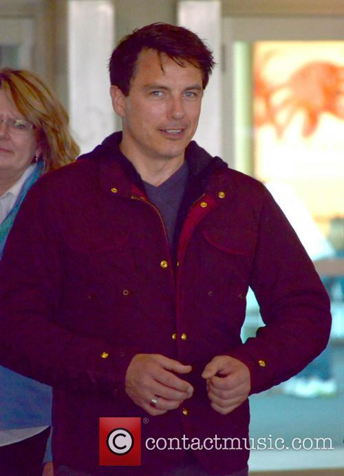 John Barrowman - John Barrowman at Vancouver Airport...