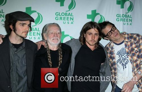Jacob Micah Nelson, Willie Nelson, Lukas Nelson and Johnny Knoxville 5