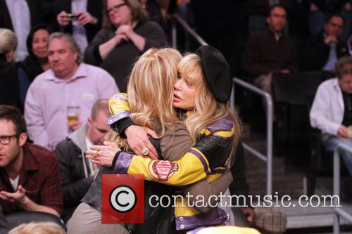 Dyan Cannon and Jeannie Buss 3