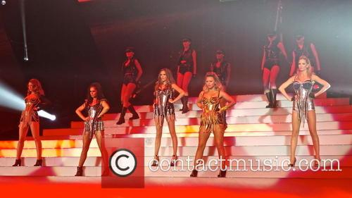 Girls Aloud, Sarah Harding, Cheryl Cole, Kimberley Walsh, Nicola Roberts and Nadine Coyle 4