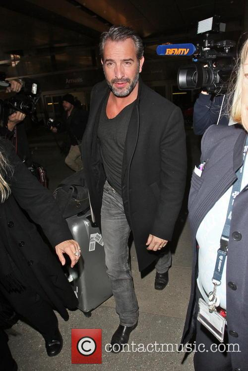 jean dujardin celebrities arriving at lax airport 3518529