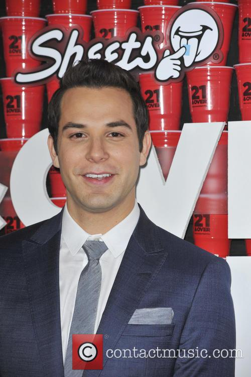 skylar astin los angeles premiere 21 over 3519543