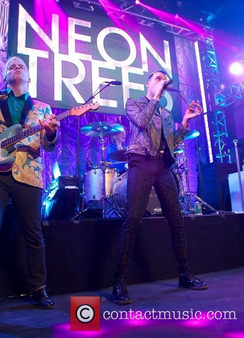 Neon Trees 3