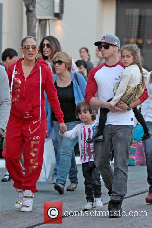 Jennifer Lopez, Maximilian Anthony, Emme Anthony and Casper Smart 10