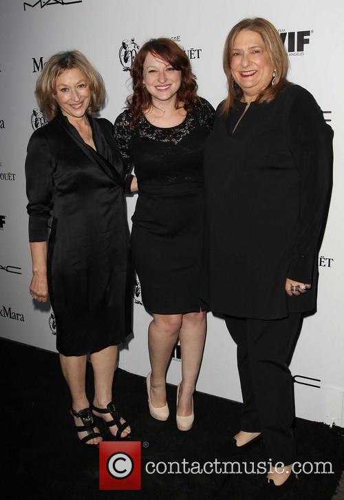 Gayle Nachlis With Her Daughter and Iris Grossman 2