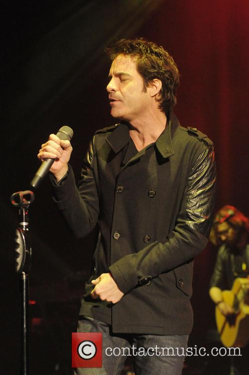 Pat Monahan and Train 1