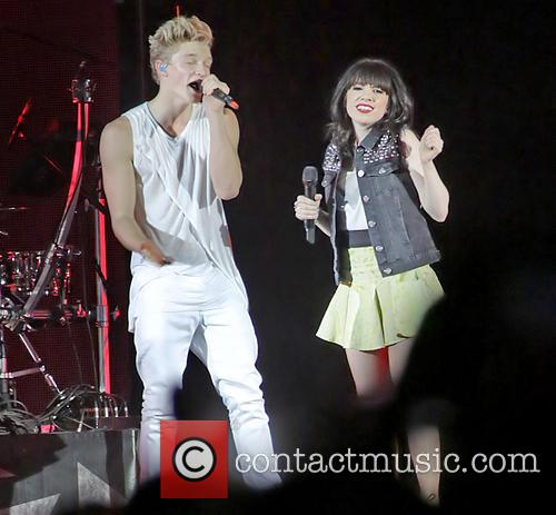 Carly Rae Jepsen and Cody Simpson 7
