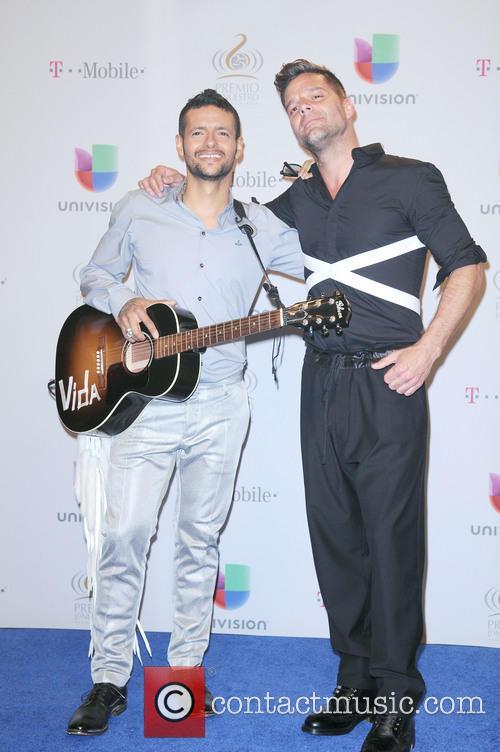 Robi Draco Rosa and Ricky Martin 2