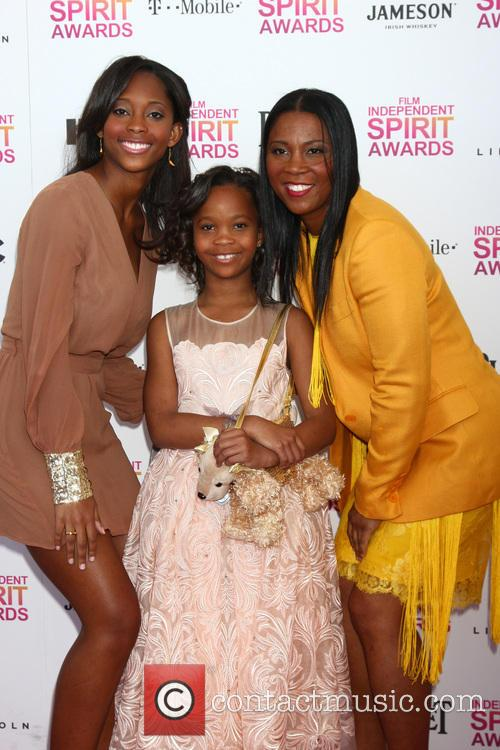 Quvenzhane Wallis, Mother Qulyndreia Wallis (l) and Sister Qunyquekya Wallis 9