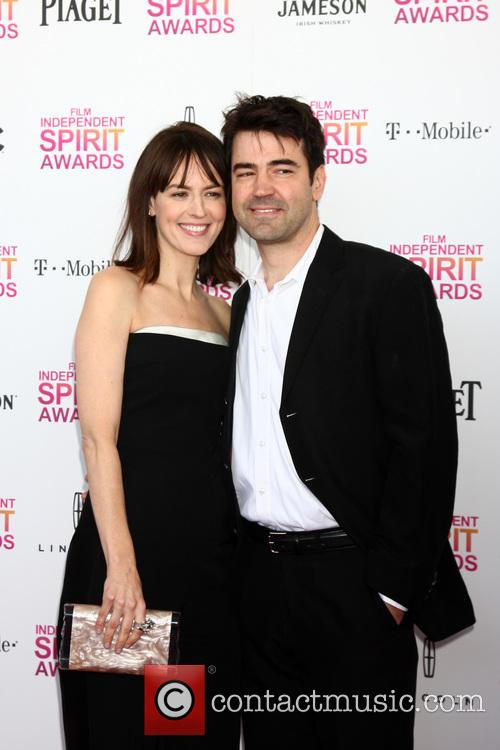Rosemarie Dewitt and Ron Livingston 6