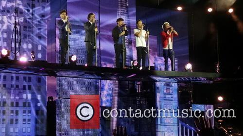 ZaynMalik, Harry Styles, Lou Tomlinon, Liam Payne and Niall Horan 3